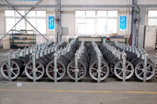Large diameter stringing block mounted on tower china