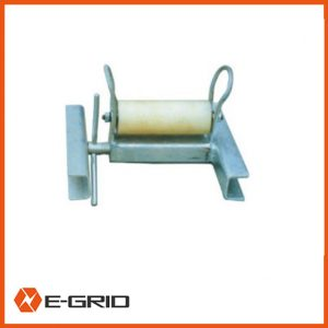 Opening protection roller